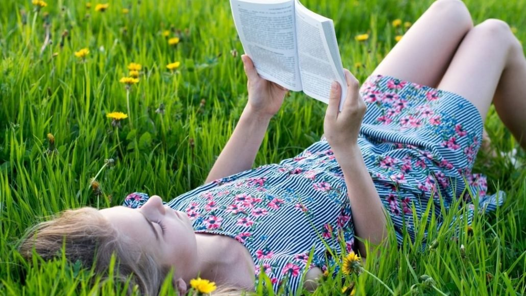 5 Summer Break Series to Keep Your Students Reading